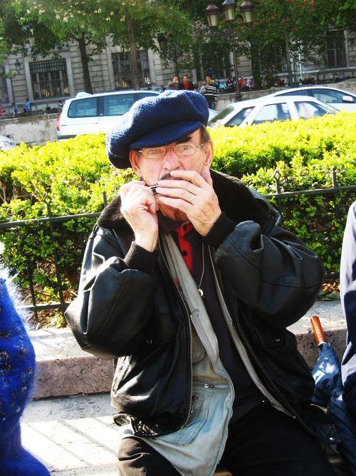 Joueur d'harmonica