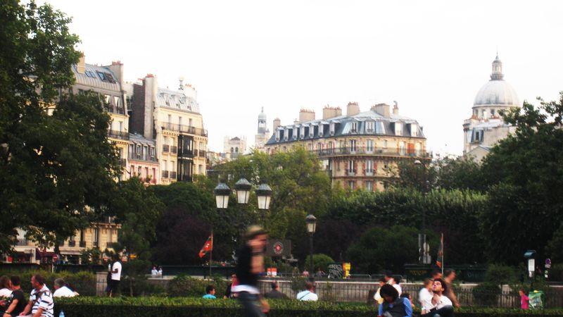 Vue de Paris du parvis de Notre Dame