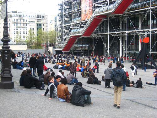 Esplanade musée Georges Pompidou