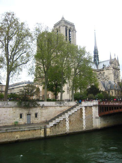 Vue des quais  Notre Dame